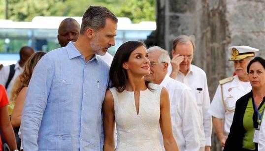Reyes de España visitan Habana Vieja.