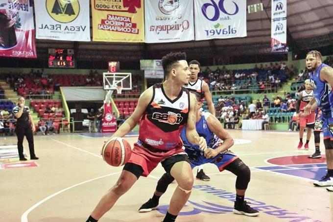 Yerri Flores se destacó en la victoria del Dosa.(Foto externa)