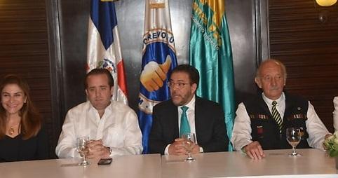 José Ignacio Paliza y Guillermo Moreno, presidentes de PRM y AlPaís en rueda de prensa.(Foto externa)