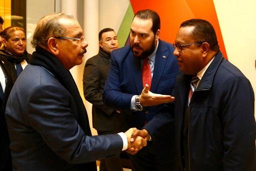 Presidente Danilo Medina, Víctor Gómez Casanova y Aníbal Piña.(Foto externa)
