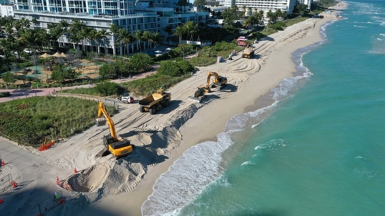 Estados Unidos vierte toneladas arena en playas de Miami Beach.(Foto: externa)