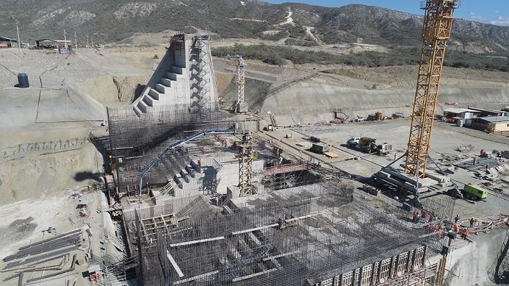 Construcción de la presa Monte Grande en el Sur. (Foto: externa)