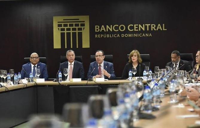 Presidente del Banco Central rinde informe sobre los resultados preliminares del crecimiento de la economía. (Foto: externa)