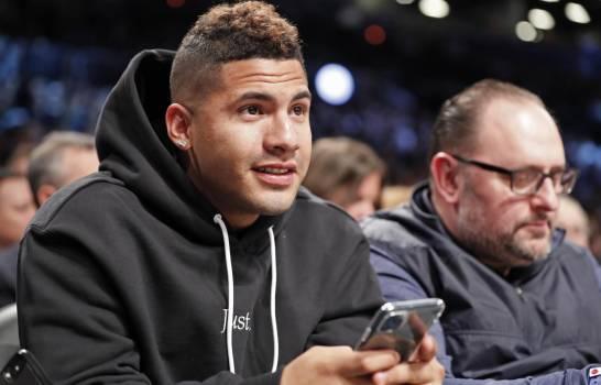 El venezolano Gleyber Torres, de los Yanquis de Nueva York, en el partido de la NBA entre los Nets de Nueva York y los Suns de Phoenix, el lunes 3 de febrero de 2020. (Foto: AP/Kathy Willens)