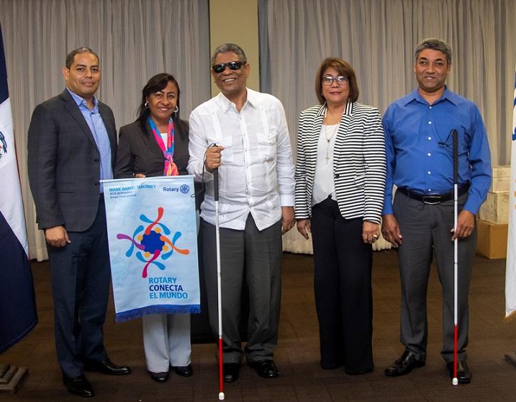Club Rotario realiza donación a Fundación de Ciegos.