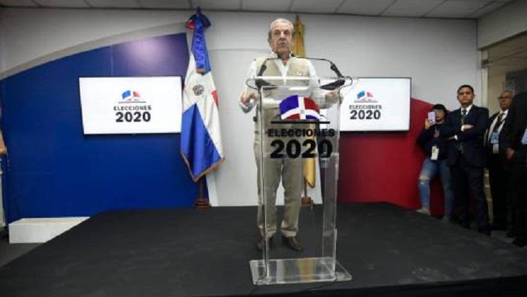 Eduardo Frei, jefe de la misión de observadores de la OEA.