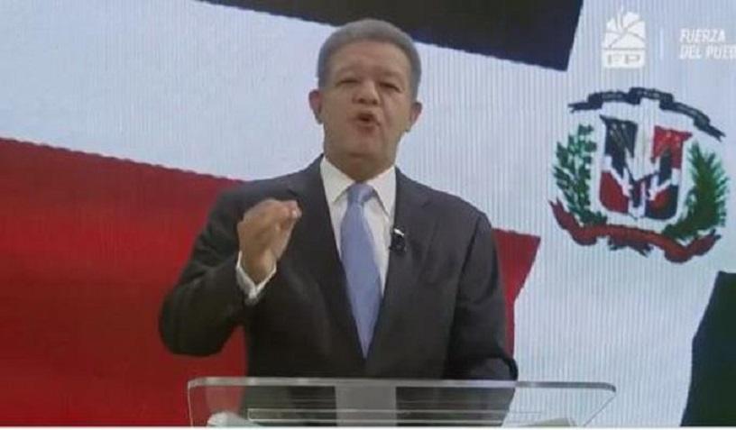 Leonel Fernández se dirige al país tras suspender elecciones municipales.