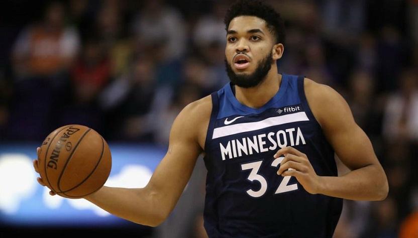 Karl-Anthony Towns Cruz es un jugador de baloncesto afro-dominicano-estadounidense que actualmente juega con los Minnesota Timberwolves de la NBA.
