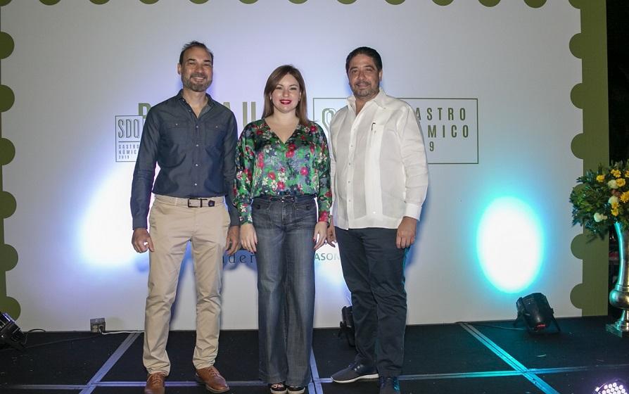 Omar Cepeda, Sheyly Viuque y Rafael Cabrera en Restaurant Week 2019.