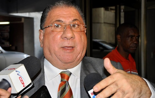 """José Ramón """"Monchy"""" Fadul delegado político del Partido de la Liberación Dominicana, durante un comunicado de prensa (Foto: Externa)"""