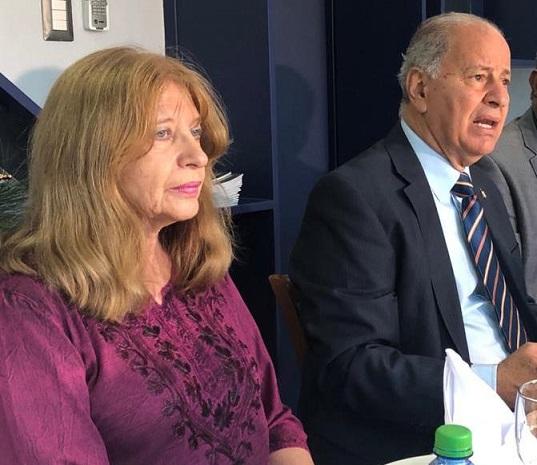 Jacqueline Boin y José Serulle ejecutivos FCA.