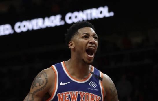 Elfrid Payton reacciona a una canasta en el triunfo de los Knicks de Nueva York ante los Hawks de Atlanta el 11/03/ 2020. (Foto: AP/John Bazemore)