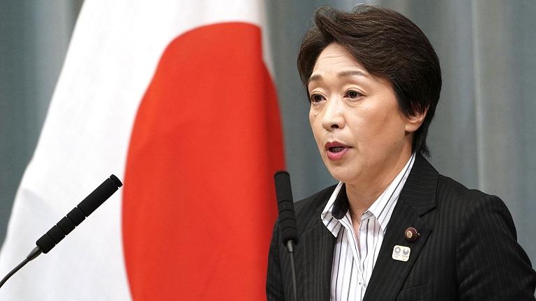 Seiko Hashimoto ministra de japonesa y medallista olímpica de bronce, durante una conferencia de prensa ofrecida en Tokio. (Foto: externa)