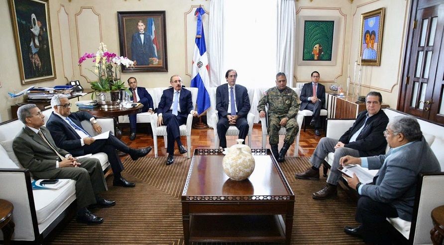 Presidente Danilo Medina se reúne con ministros de Presidencia, Defensa, Salud y Turismo para enfrentar coronavirus. (Foto: Twitter Presidencia)