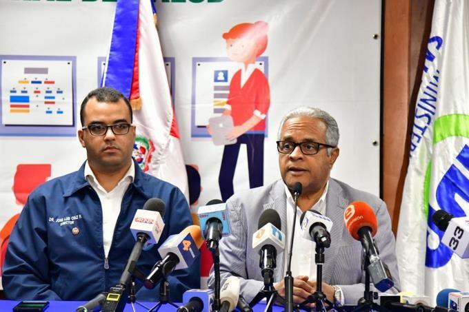 Rafael Sánchez Cárdenas ministro de Salud Pública durante rueda de prensa sobre los nuevos afectados por coronavirus. (Foto: externa)