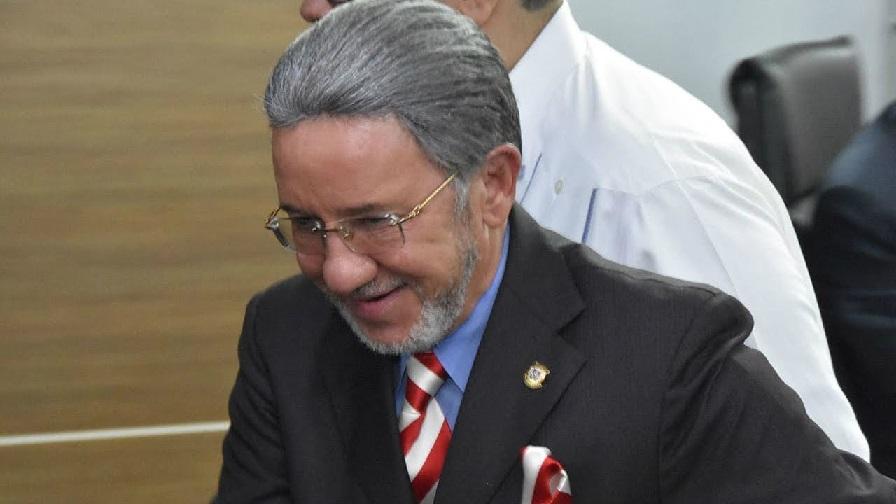 Amable Aristy Castro, senador por la provincia La Altagracia.