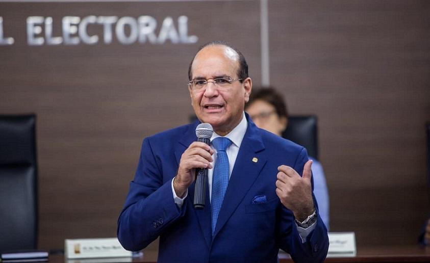 Presidente JCE garantiza voto en el exterior.
