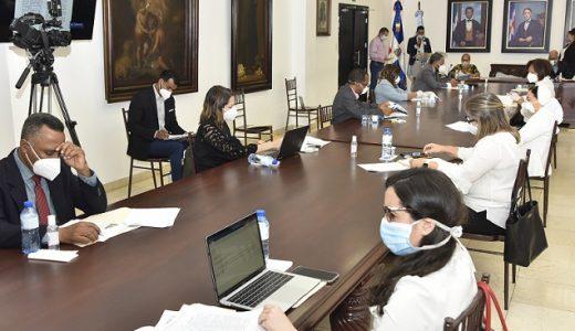 Comisión de Alto Nivel evalúa protocolos para integración de estudiantes.