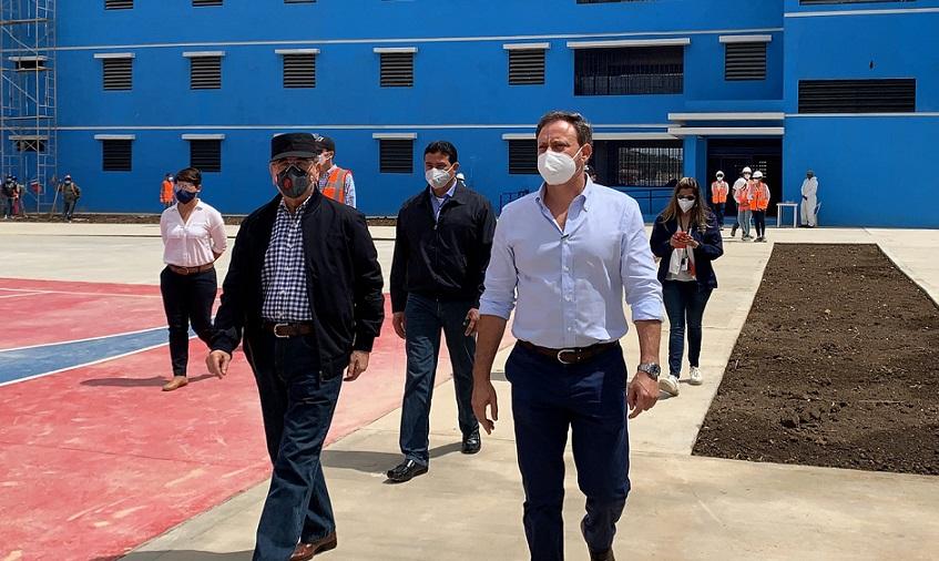 Danilo Medina supervisa construcción cárcel La Nueva Victoria.
