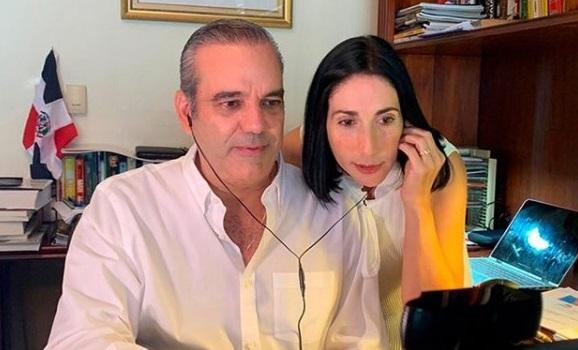 Luis Abinader y su esposa libres de coronavirus.