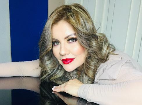 """Alexandra la Dama presenta sencillo """"Como Te Fue"""""""