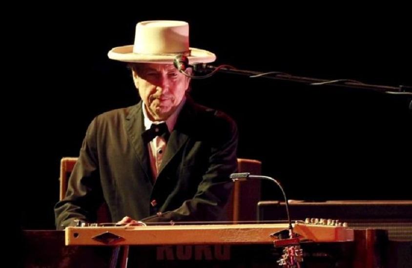 Bob Dylan habla de racismo y la pandemia en su primera entrevista en cuatro años.