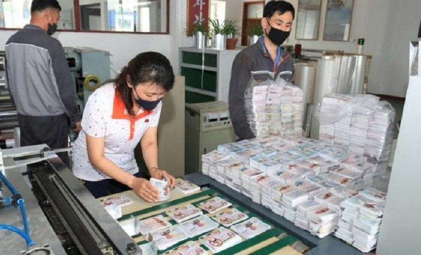 Corea del Norte tiene millones de panfletos preparados para arrojar sobre el Sur.