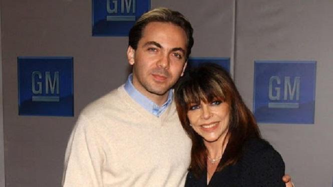 Cristian Castro y su madre Verónica Castro.