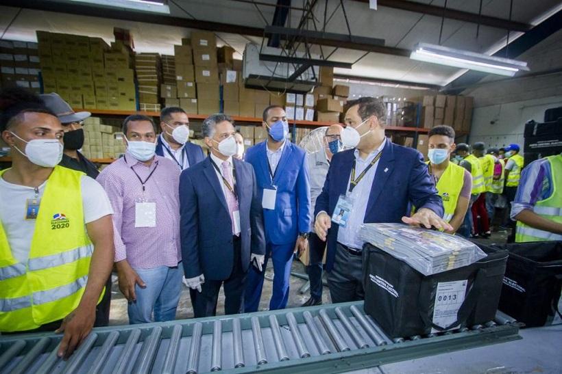 JCE inicia preparación de valijas para elecciones en el exterior.
