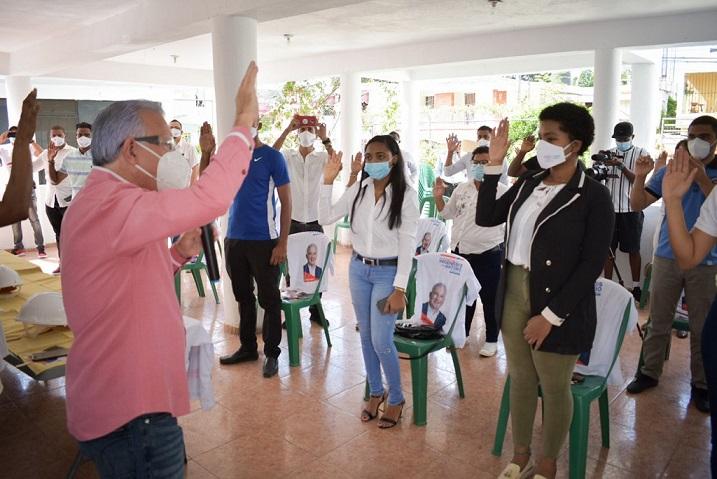 Jóvenes-respaldan-candidatura-Taveras Guzmán