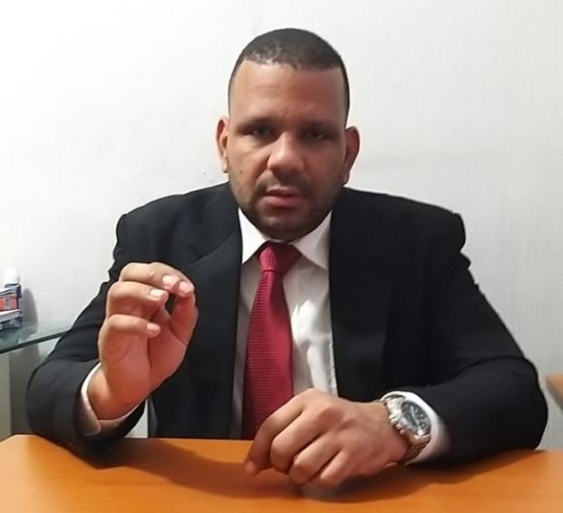 Jurista Rigoberto Saldivar apoya entrega fondos AFP.