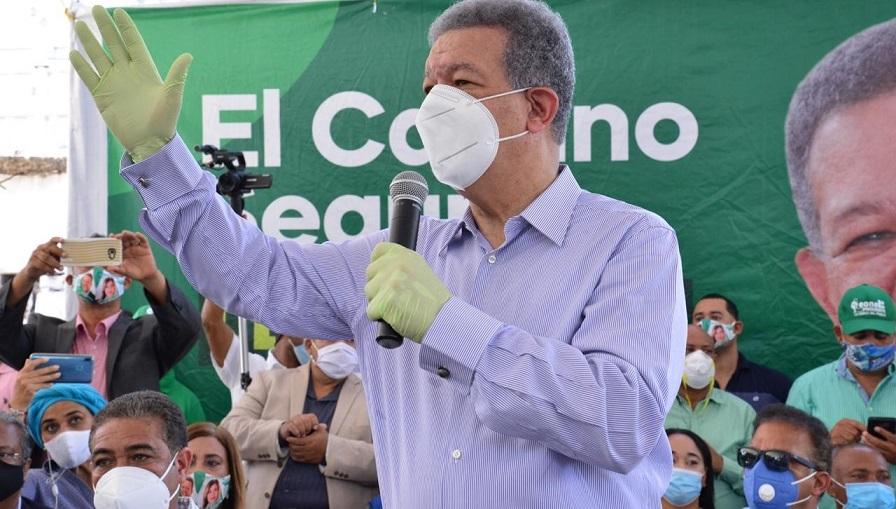 Leonel Fernández encabeza acto en Puerto Plata.