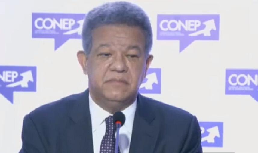 Leonel Fernández participa en encuentro con el CONEP.