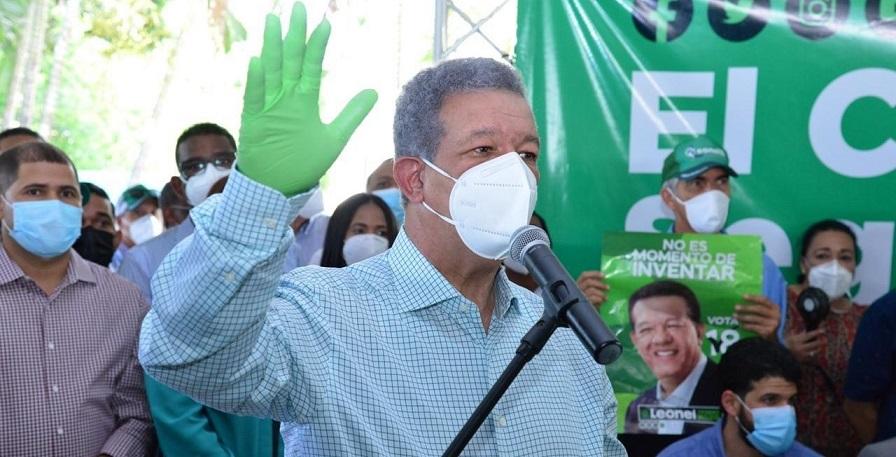 Leonel Fernández juramenta en el municipio Cutupú.