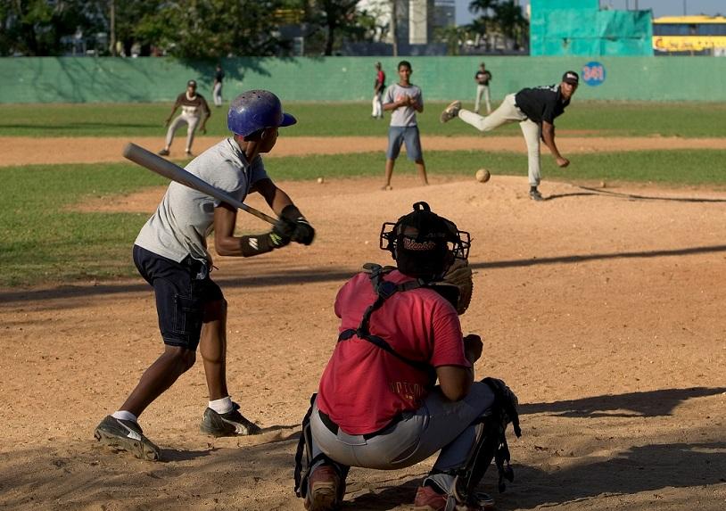 Denuncian equipos de Grandes Ligas explotan jóvenes prospecto en RD.