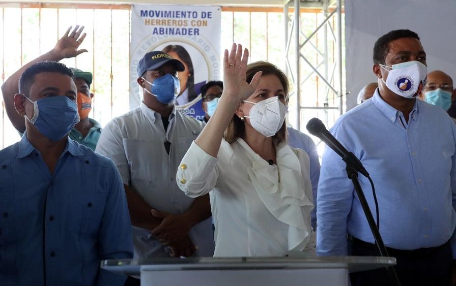 Raquel Peña juramenta en PRM exdirigentes del PLD, PRD y ALPAIS.