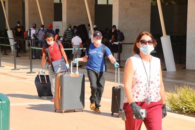 Portuaria recibe dominicanos varados en puertos extranjeros.