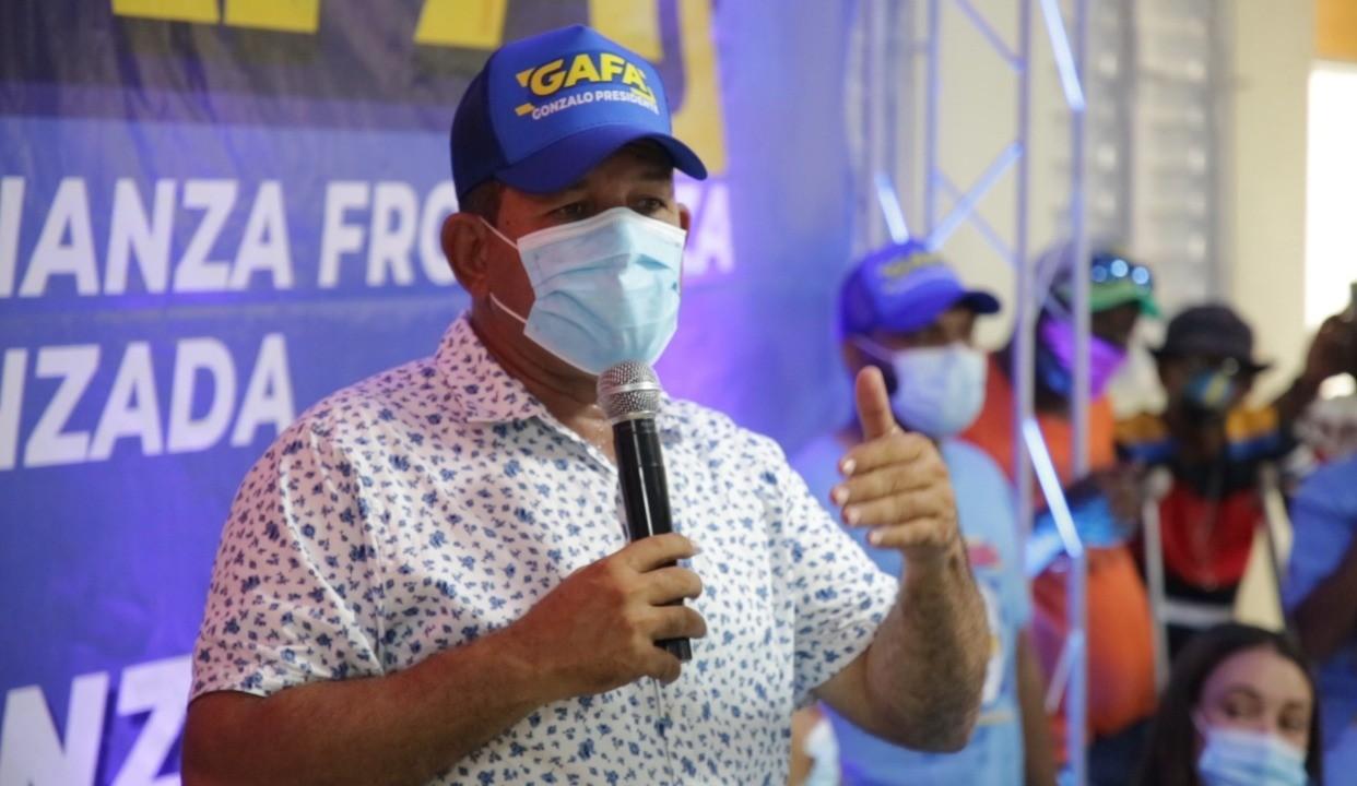 Tito Bejarán lanza movimiento en apoyo a Gonzalo Castillo.