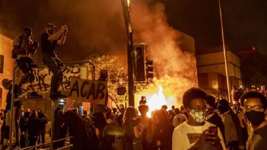 En algunas ciudades las protestas se han tornado violentas.