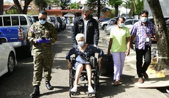 Intervienen hogar de ancianos por presunto brote de coronavirus