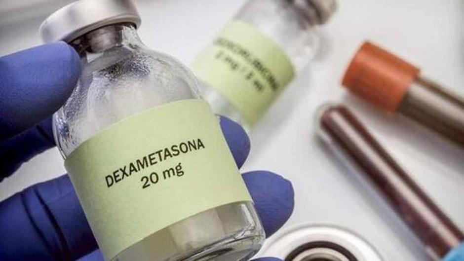 Esteroide dexametasona reduce muertes por COVID-19.