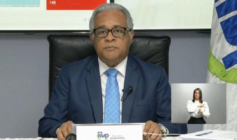 El ministro de Salud, Rafael Sánchez Cárdenas, al momento de dar la rueda de prensa.