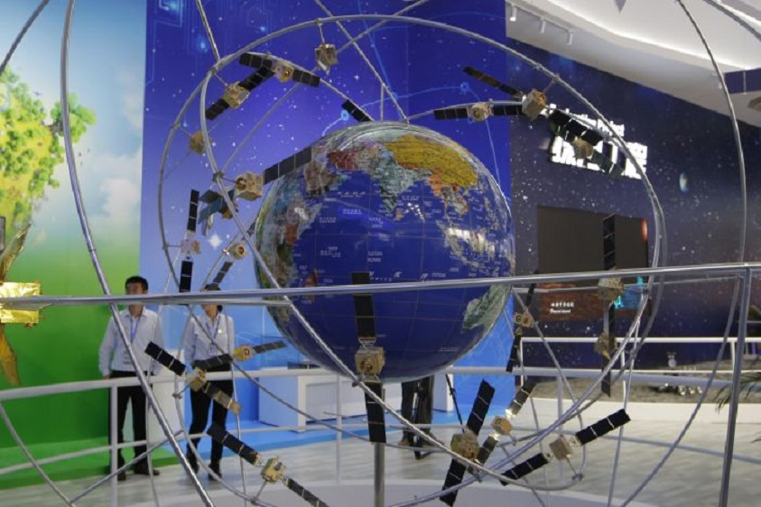 Modelo del sistema de navegación por satélite. (AP Foto/Kin Cheung, File)