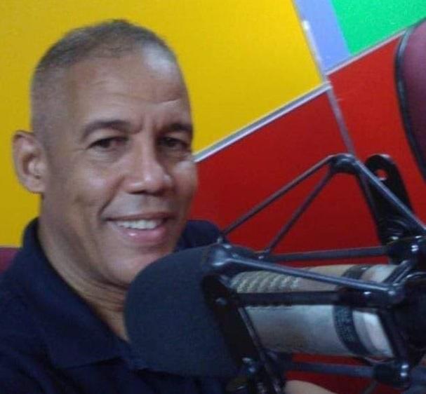 El periodista Jhonny Arrendel.