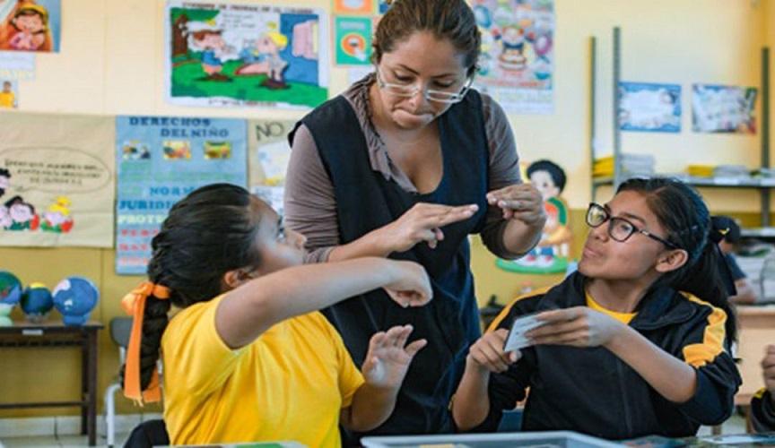 Anuncian congreso virtual para educación de personas sordas.