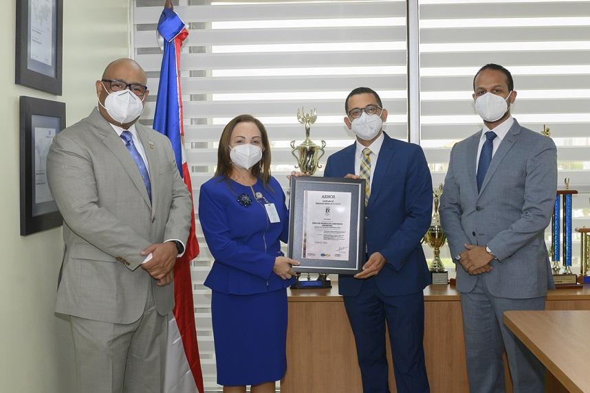 Banreservas recibe certificación ISO.