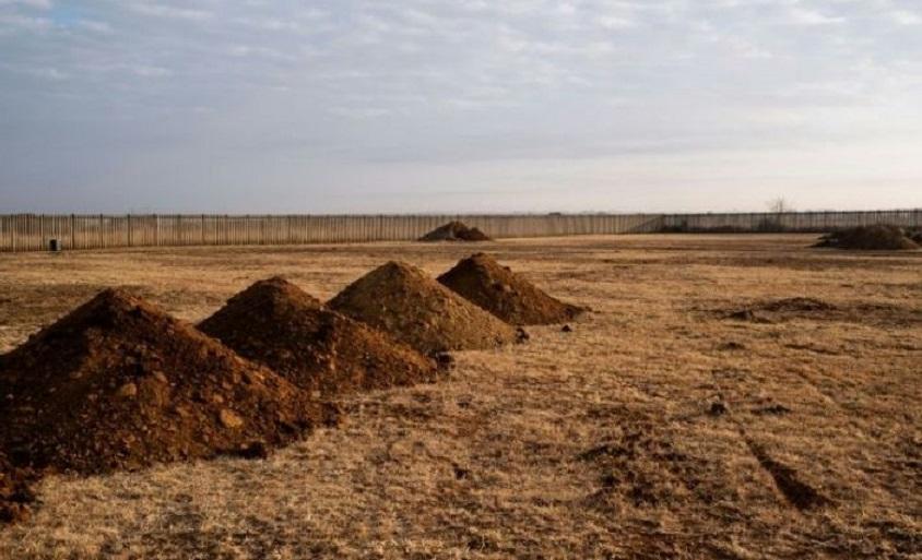 Conmoción en torno a las tumbas de los muertos de covid-19 en Sudáfrica.