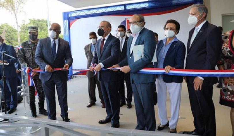 Presidente Danilo Medina encabeza la entrega del remodelado hospital Pedro Marchena, de Bonao. (Fuente: Presidencia)