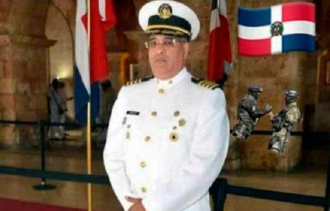 Capitán de navío de la Armada Dominicana muere por COVID-19 .