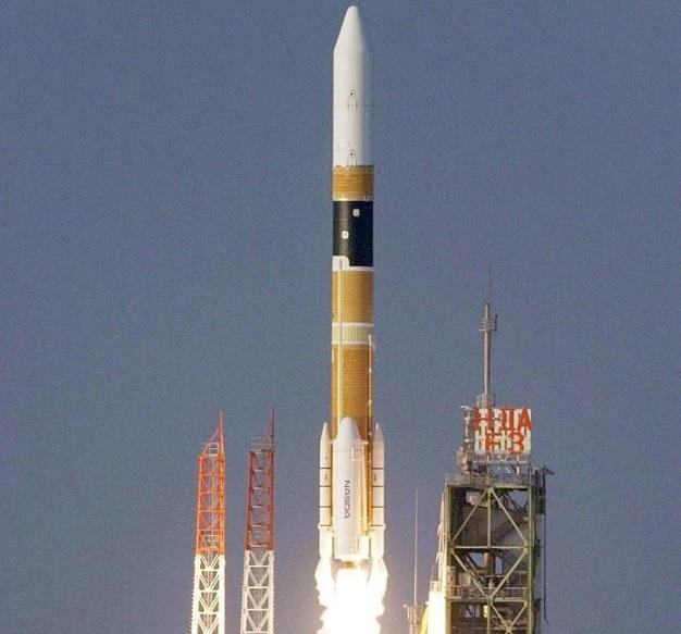 Emiratos pospone su misión a Marte por las condiciones meteorológicas en Japón.